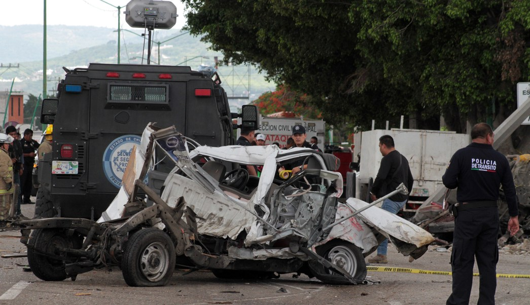 Ofician misa en lugar del accidente de tráiler en Chiapas