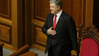 Poroshenko pide a Putin liberación de presos ucranianos