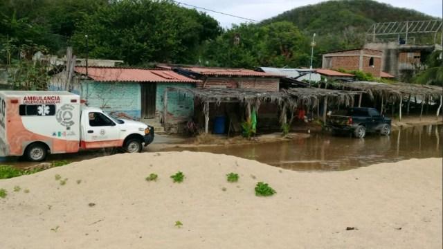 'Bud' causa daños en playas de Lázaro Cárdenas, Michoacán