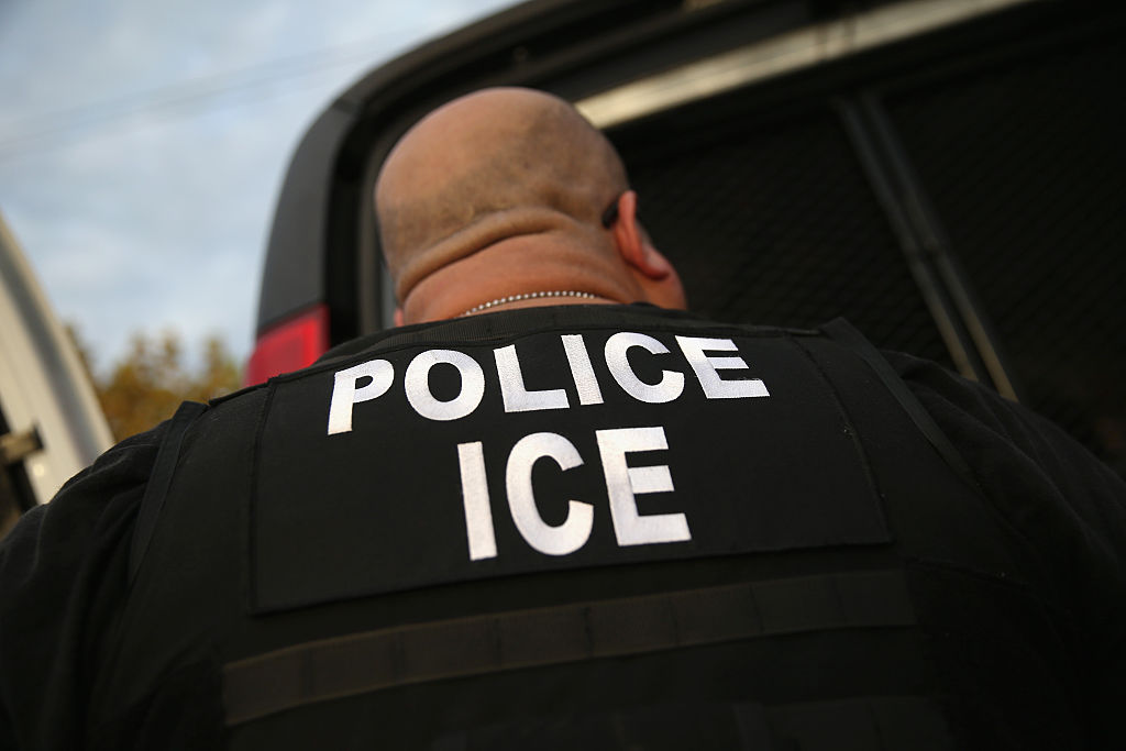 Un agente la Oficina de Inmigración y Aduanas (ICE). Getty Images/Archiv