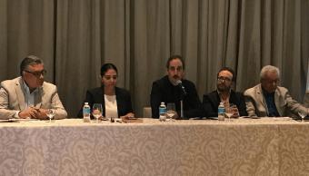 Barrales dialoga con empresarios y especialistas en urbanismo