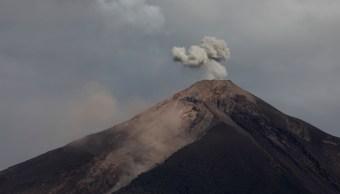 Alertan nuevo descenso lahar Volcán Fuego