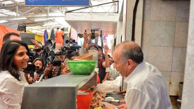 alejandra barrales visita mercado hidalgo delegacion cuauhtemoc