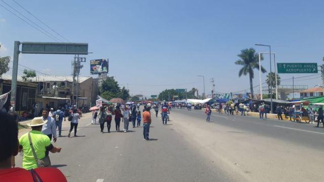 CNTE mantiene movilizaciones y bloqueos en Oaxaca