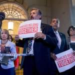 Trump demanda a republicanos hacer algo sobre inmigración