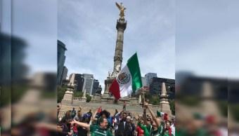 Celebran en Ángel de Independencia triunfo de México