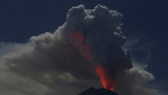 Cierran aeropuerto internacional Bali erupción volcán Agung