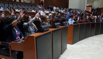 Jalisco aprueba ampliar presupuesto estatal para atender a mamá de Tadeo