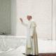Vaticano desmiente participación del papa Francisco