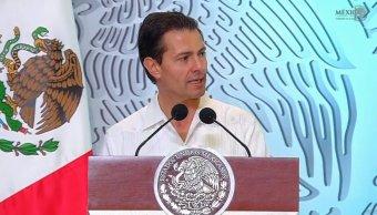 Peña Nieto conmemora el Día de la Marina Nacional