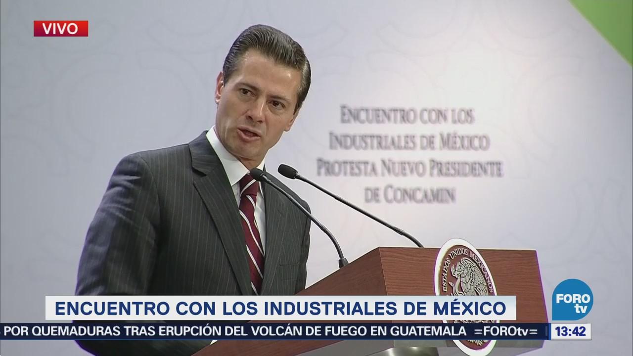 EPN sostiene encuentro con industriales de México