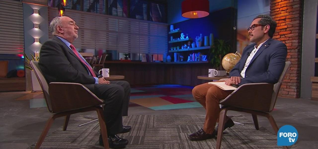 Genaro Lozano entrevista a Mauricio de Maria y Campos
