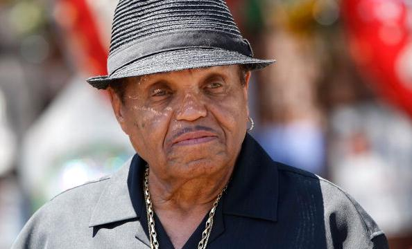 Hospitalizan padre Michael Jackson cáncer terminal