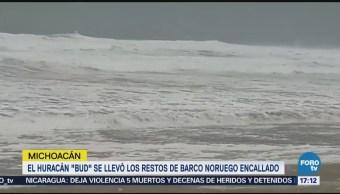 Huracán 'Bud' Lleva Restos Barco Noruego Encallado