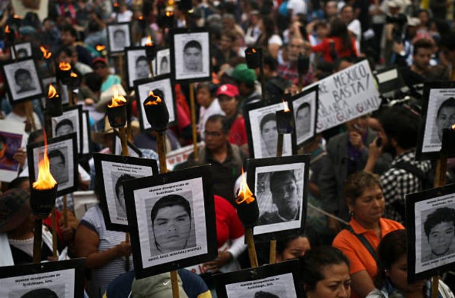 Ordenan Comisión de la Verdad para el caso Ayotzinapa