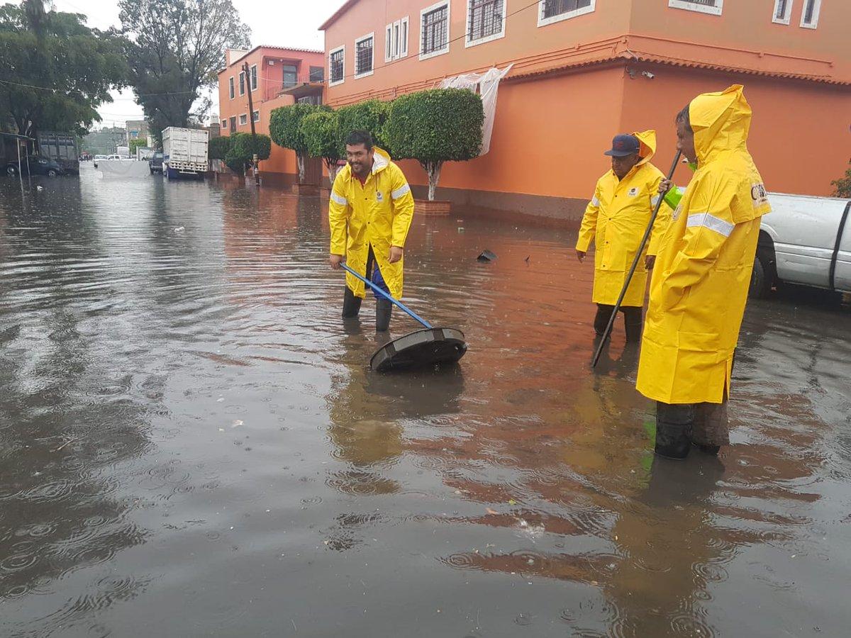 Muere niño arrastrado por una corriente de las fuertes lluvias en México