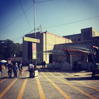 Investigan a policías bancarios por permitir robo de celulares en Metro Balderas