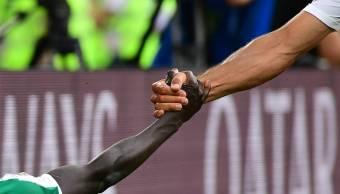 foto-brazos-rodrigo-villalba-polonia-senegal-fifa-mundial-rusia-2018
