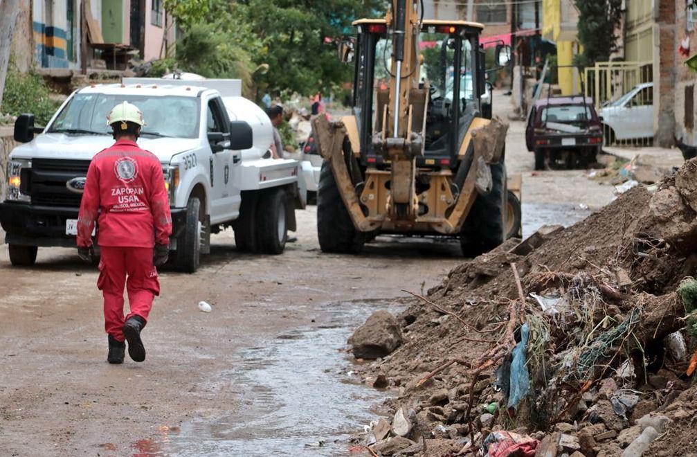 Reportan daños en 11 colonias de Zapopan por tromba