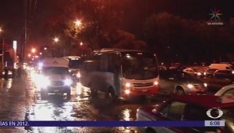 Lluvias dejan accidentes y encharcamientos en CDMX