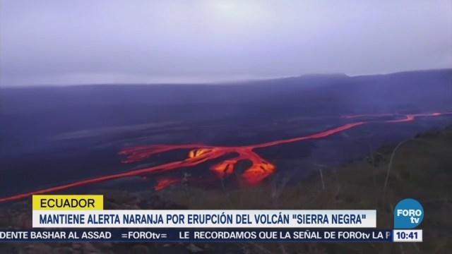 Mantienen alerta por erupción del volcán Sierra Negra en Galápagos