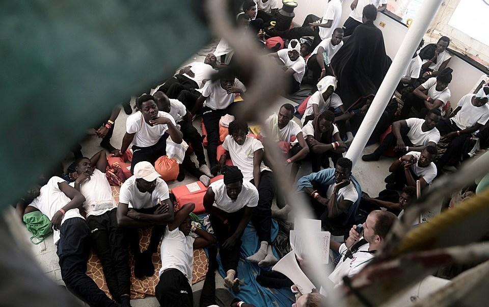 Crece tensión diplomática Italia Francia migrantes Aquarius
