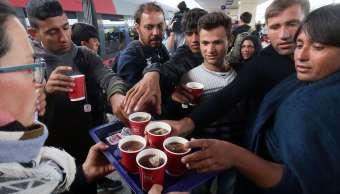 Será delito ayudar a migrantes irregulares en Hungría