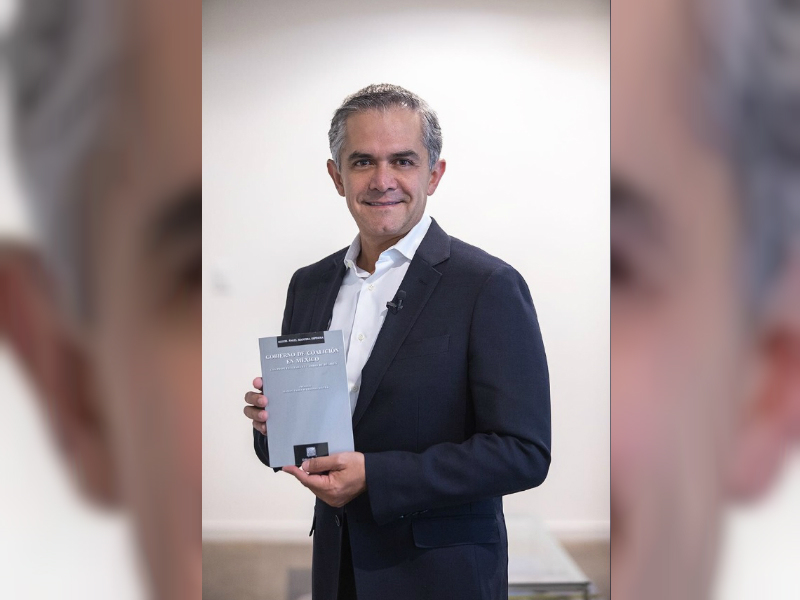 Mancera presenta su libro 'Gobierno de Coalición en México'