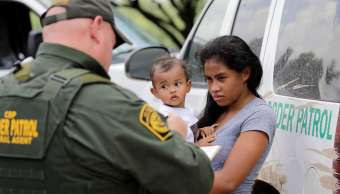 OEA aprueba resolución contra separación de familias migrantes en EU