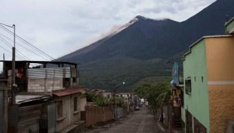 Guatemala ordena evacuación por flujo piroclástico del Volcán de Fuego