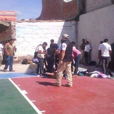 Rescatan a migrantes que viajaban en la caja de una camioneta en Oaxaca