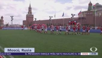 'Parque del Futbol' reúne a aficionados frente al Kremlin