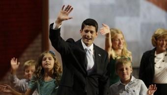 Ryan, criticado Día Padre mientras familias separadas