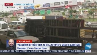 Reportan volcadura de tráiler en la autopista México-Querétaro