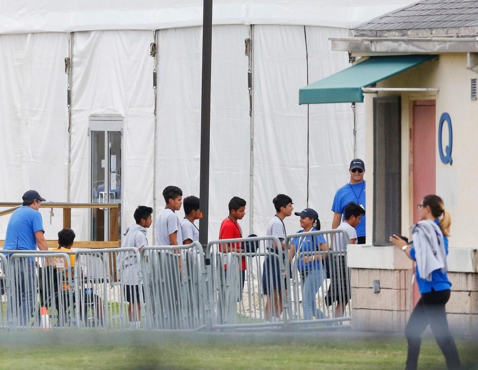 Padres migrantes desconocen paradero de sus hijos