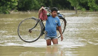 Inundaciones en noreste de India causan 21 muertos