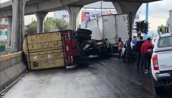 volcadura trailer afecta autopista mexico queretaro