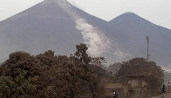 Peña Nieto ofrece apoyo a Guatemala por erupción volcánica