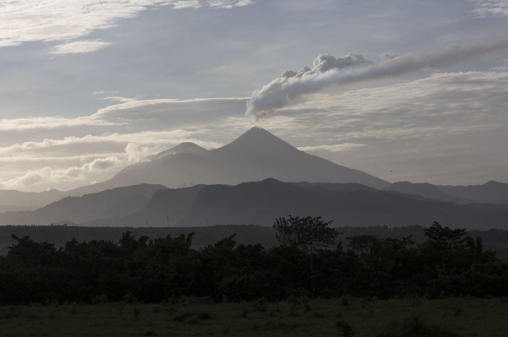 Volcanes de Fuego, Pacaya y Santiaguito en Guatemala