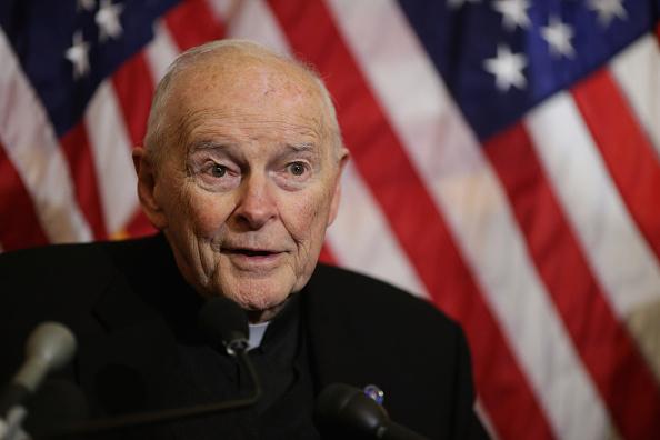El Papa ordena la reclusión de cardenal McCarrick hasta juzgarle por abusos