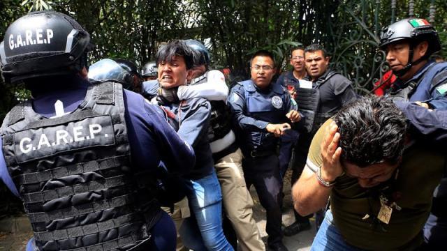 Morenistas atacan a panistas en un hotel de Puebla
