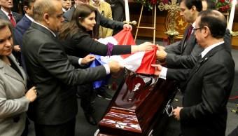 Paraguay da último adiós a funcionarios muertos avionazo