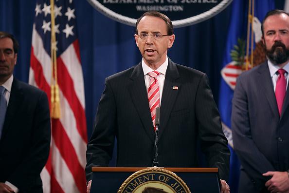 Imputados en EEUU doce agentes rusos por hackear la campaña de Clinton