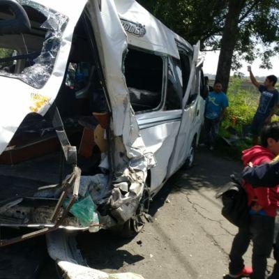 Choque en la carretera Xochimilco-Topilejo deja 15 heridos