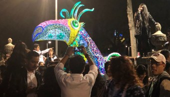 Sorprenden a niños con desfile de alebrijes en la CDMX