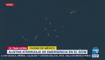 Alistan aterrizaje de emergencia en AICM