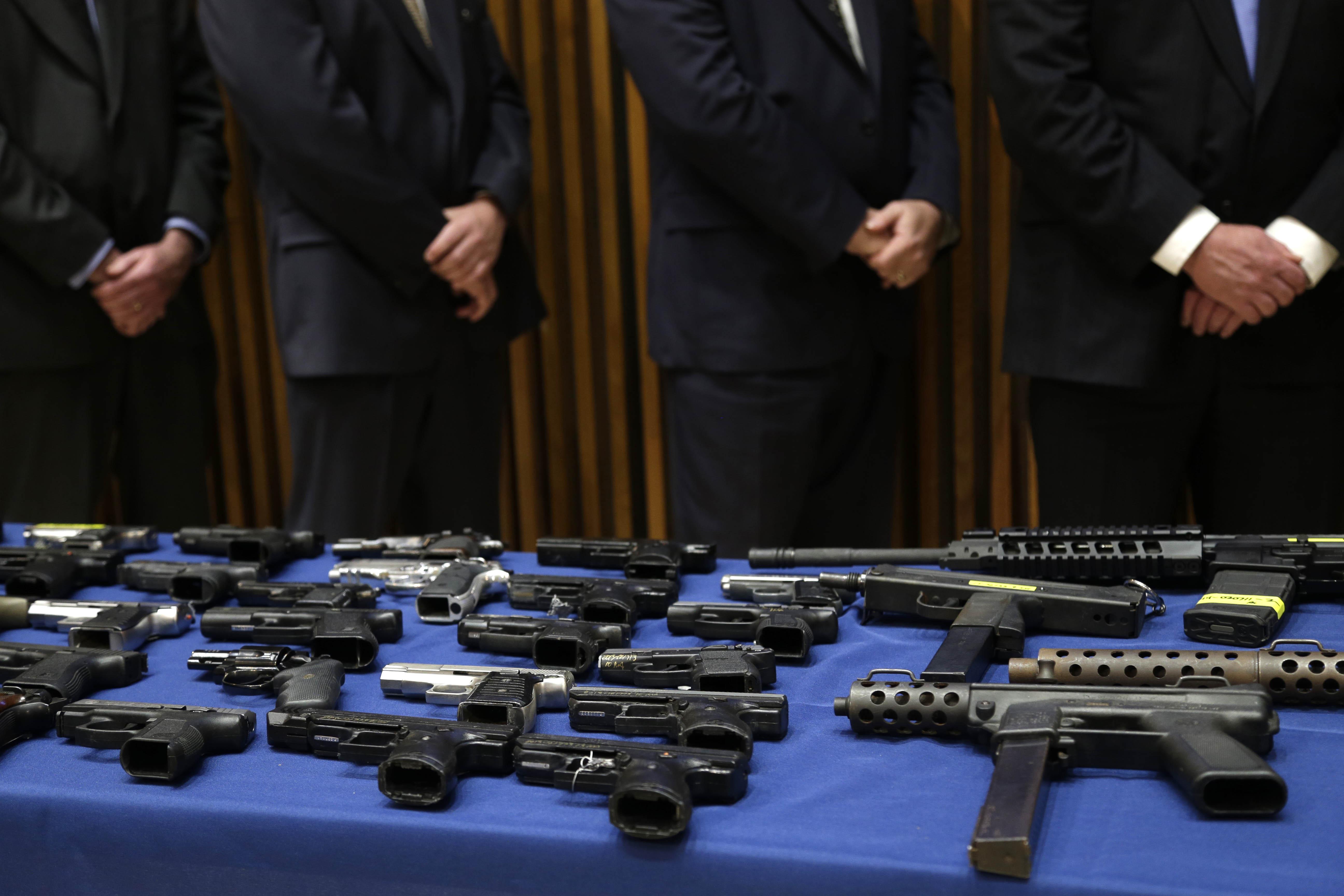 Trump urge muro por homicidios aquí; Segob revira: son por sus armas