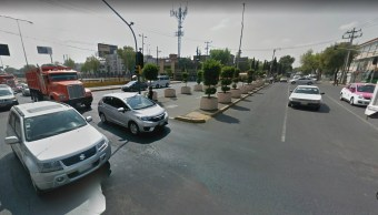 Auto se impacta contra tráiler en calzada de Guadalupe, CDMX
