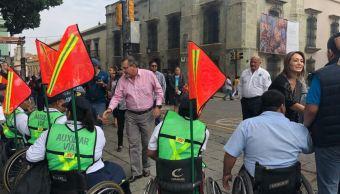 Auxiliares viales de Oaxaca vigilan respeto de accesos para discapacitados
