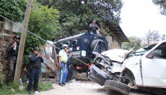 Deslizamiento de tierra afecta casas y vehículo en Tlalpan